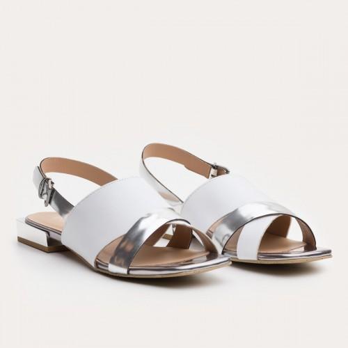 Biało srebrne sandały ze sprzączką