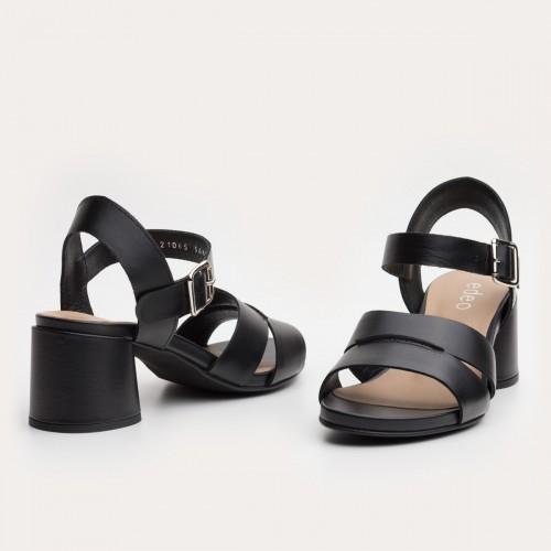 Czarne sandały na okrągłym obcasie