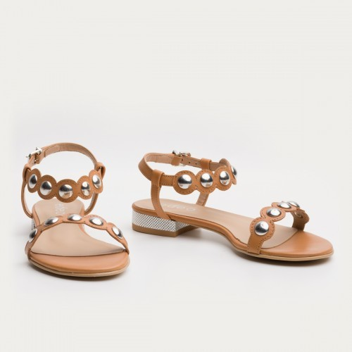 Rude sandały z ćwiekami