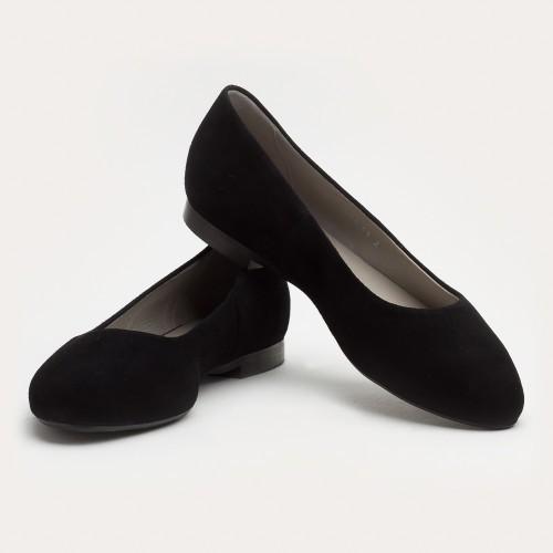 Czarna zamszowa balerinka