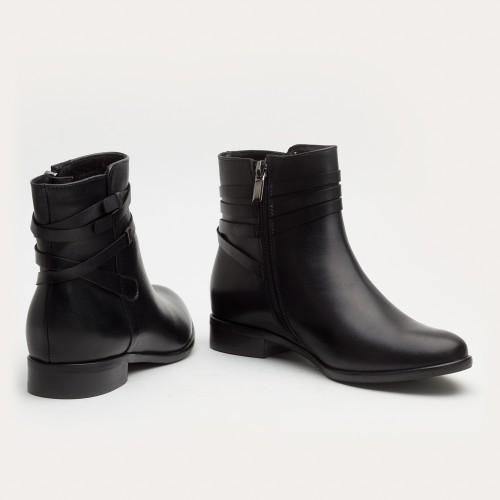 Czarne botki z paskami