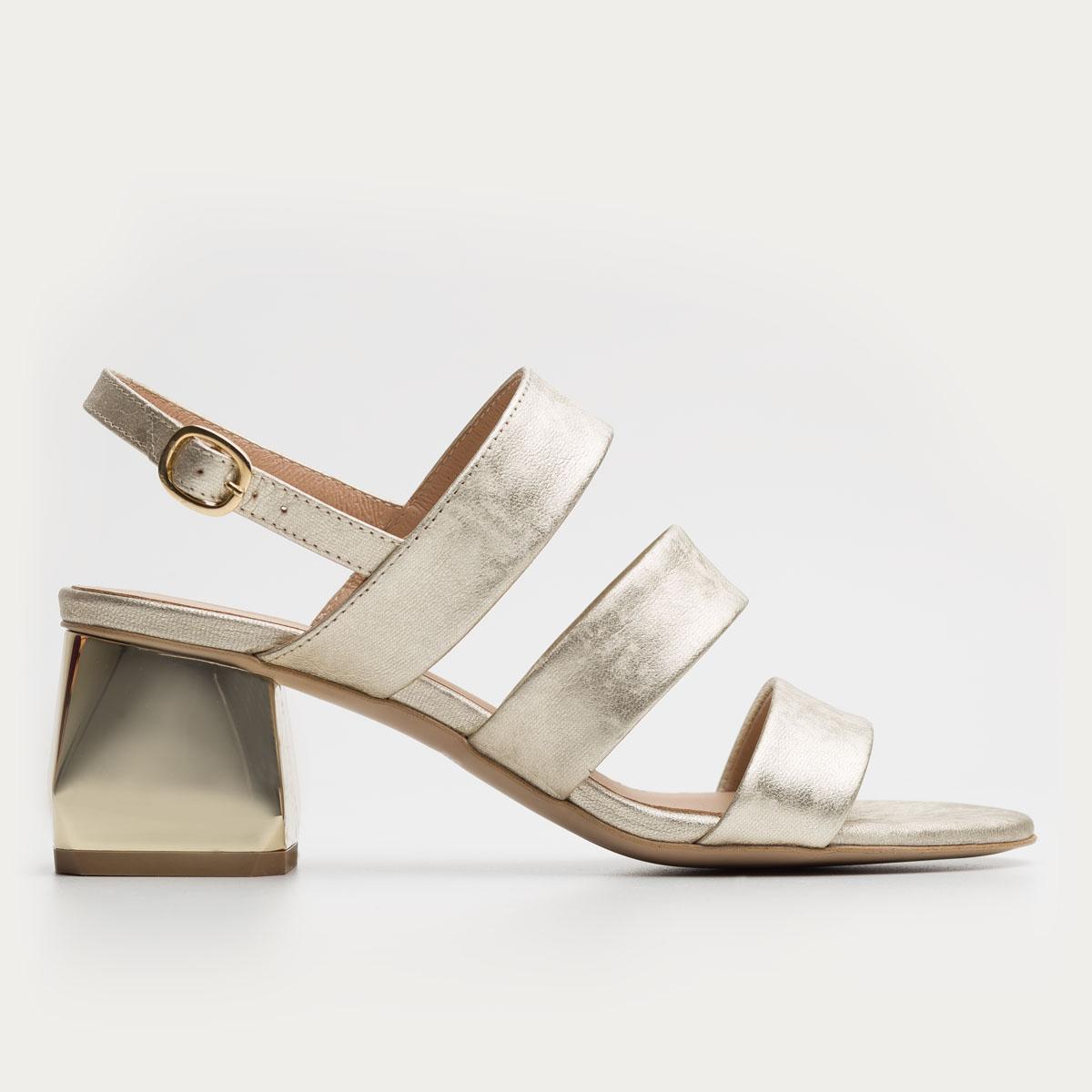 Złote foliowane sandały na klocku