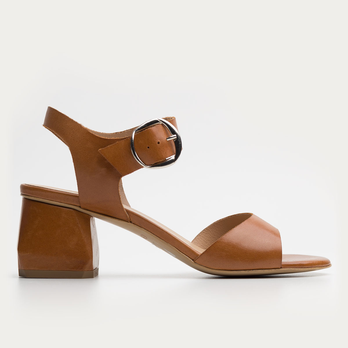 Rude licowe sandały na klocku