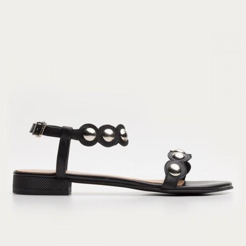 Czarne sandały z ćwiekami