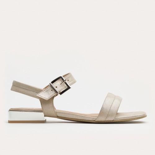 Beżowy sandał na srebrnym obcasie