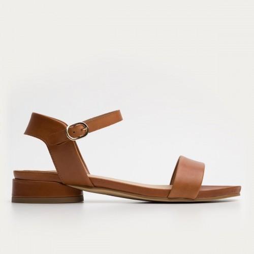Brązowe sandały na obcasie